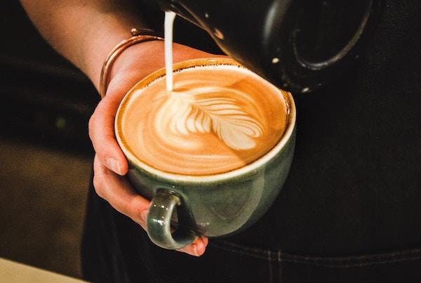 ordering-coffee-in-italian-latte.jpg