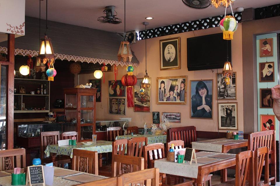 restaurant-1607556_960_720.jpg
