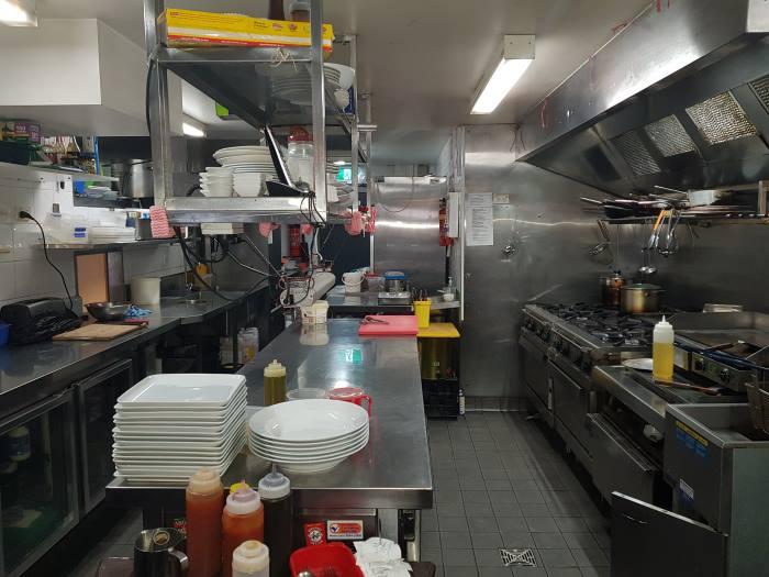 Elegant cafe restaurant in affluent Lower North Shore of Sydney 3.jpg
