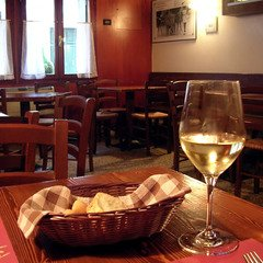 empty-cafe-1324733.jpg
